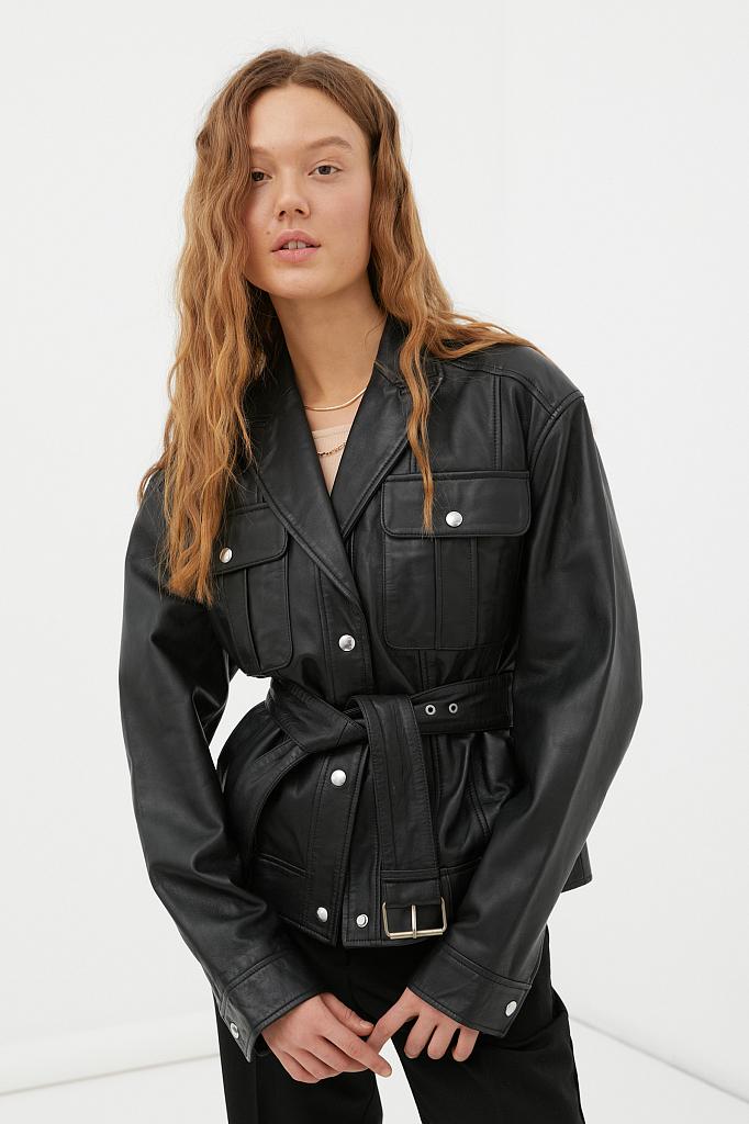 кожаная женская куртка-косуха свободного кроя