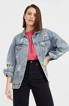 Джинсовая куртка с вышивкой B21-15018
