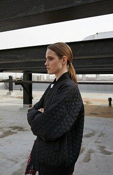 Куртка женская B21-32005